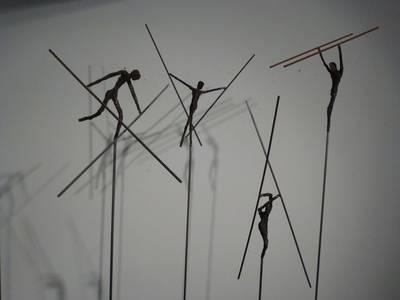 Stabtänzer, Bronze/Stahl, H 170/200 cm