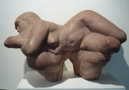 Grzimek, Frau auf Felsen, Zementguss, 1976, H 53 cm