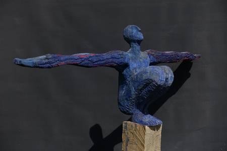 Walter Schembs, Großer Ikarus, Pappel bemalt, 2015, 165x215 cm