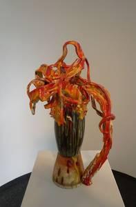 Blumenvase, orange-rot-gelb, weißer Ton glasiert, 2013