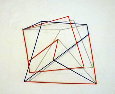 A. Lincke-Zukunft, Zick-Zack, Holzstäbe rot blau, 2014