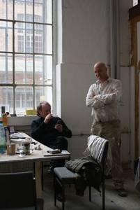 Helge Hommes und Oliver Czarnetta im Atelier