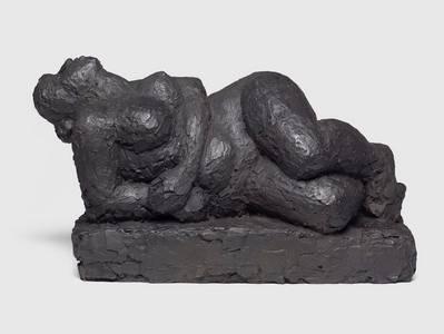 Wanda Pratschke, Unbesiegte I, Bronze, 2010